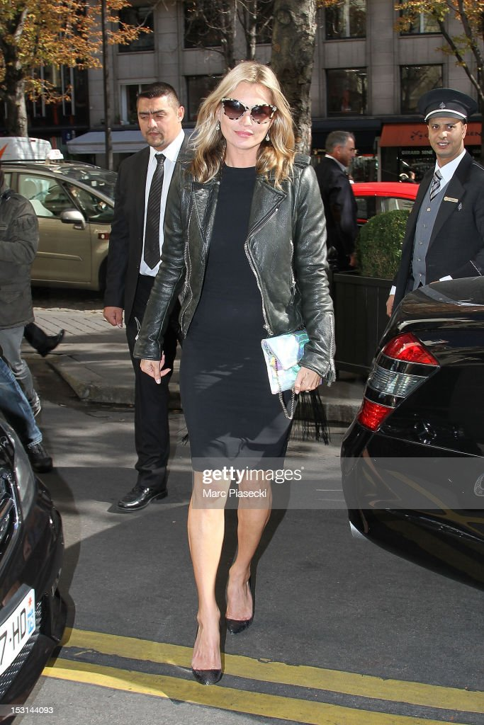 Supermodel <a gi-track='captionPersonalityLinkClicked' href=/galleries/search?phrase=Kate+Moss&family=editorial&specificpeople=201830 ng-click='$event.stopPropagation()'>Kate Moss</a> arrives at her hotel on October 1, 2012 in Paris, France.
