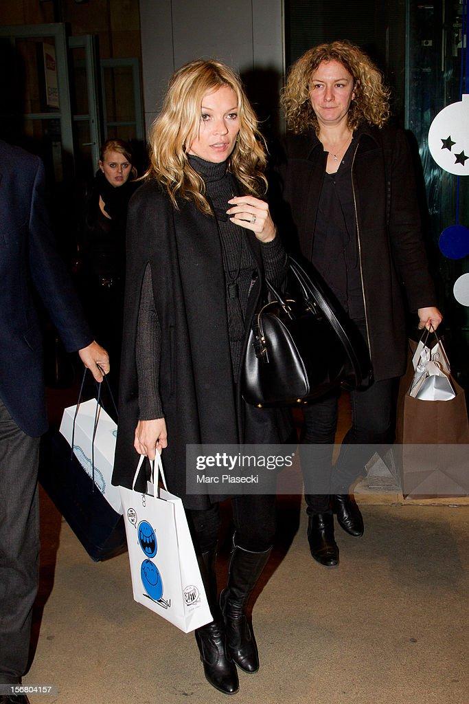 Supermodel <a gi-track='captionPersonalityLinkClicked' href=/galleries/search?phrase=Kate+Moss&family=editorial&specificpeople=201830 ng-click='$event.stopPropagation()'>Kate Moss</a> is sighted at the 'Gare du Nord' on November 21, 2012 in Paris, France.