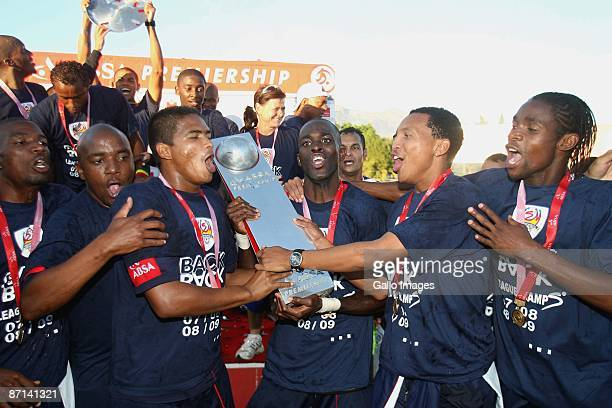 Supersport United players celebrate winning the Absa Premiership after the Absa Premiership match between Santos and SuperSport United at Coetzenburg...