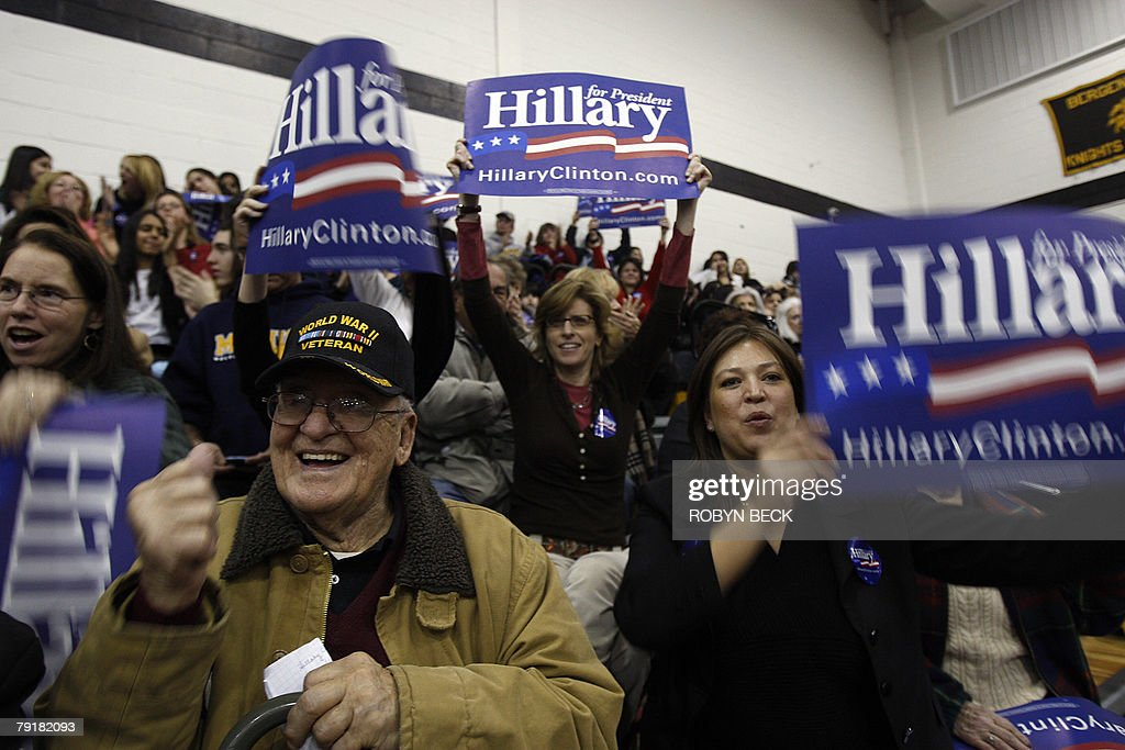 Supporters cheer for New York Senator and Democratic presidential hopeful Hillary Rodham Clinton at a campaign rally at Bergen County Academies in Hackensack, NJ, 23 January 2008.