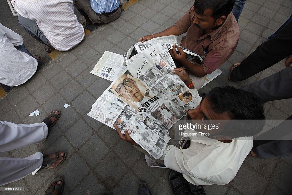 Supporters follow the funeral cortege of Indian Hindu nationalist Shiv Sena party leader Bal Thackeray on November 18, 2012 in Mumbai, India. Bala Saheb Thackeray passed away on November 17, 2012 after cardiac arrest.