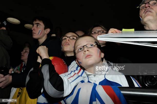 Supporters France Arrivee de l'Equipe de France de Handball Championne du Monde Aeroport de Paris Charles de Gaulle