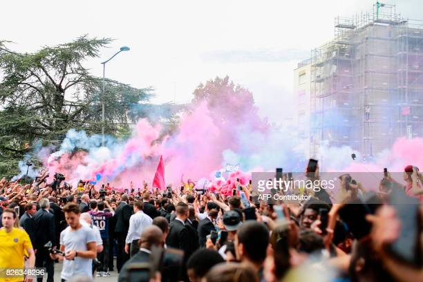 Supporters gather outside the Parc des Princes stadium during the official presentation of Brazilian superstar Neymar on August 4 2017 in Paris after...