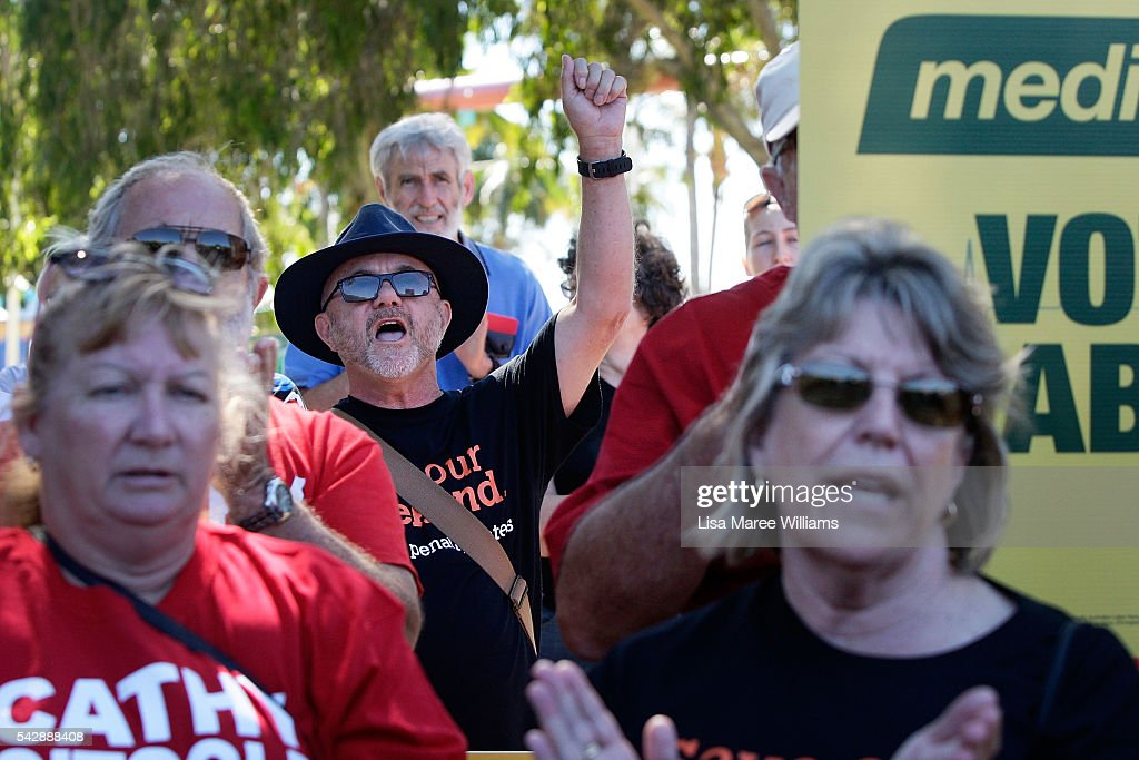 Supporters gather to meet Opposition Leader, Australian Labor Party Bill Shorten and Cathy O'Toole at The Strand on June 24, 2016 in Townsville, Australia. Bill Shorten is campaigning heavily on Medicare, promising to make sure it isn't privatised if the Labor Party wins the Federal Election on July 2.