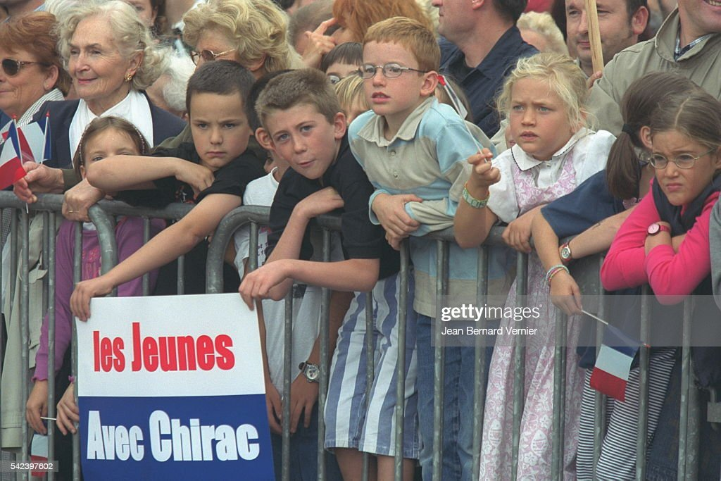 Supporters in Saint Brieuc as the official cortege passes