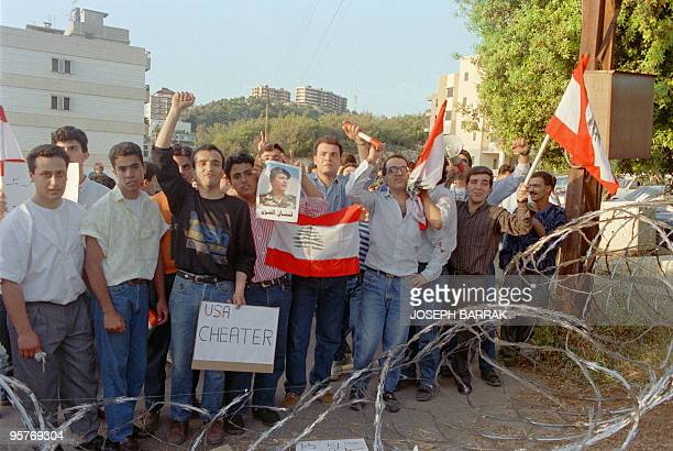 Supporters of Christian leader General Michel Aoun demonstrate 20 April 1989 in front of US Embassy in Beirut against the American policy in Lebanon...