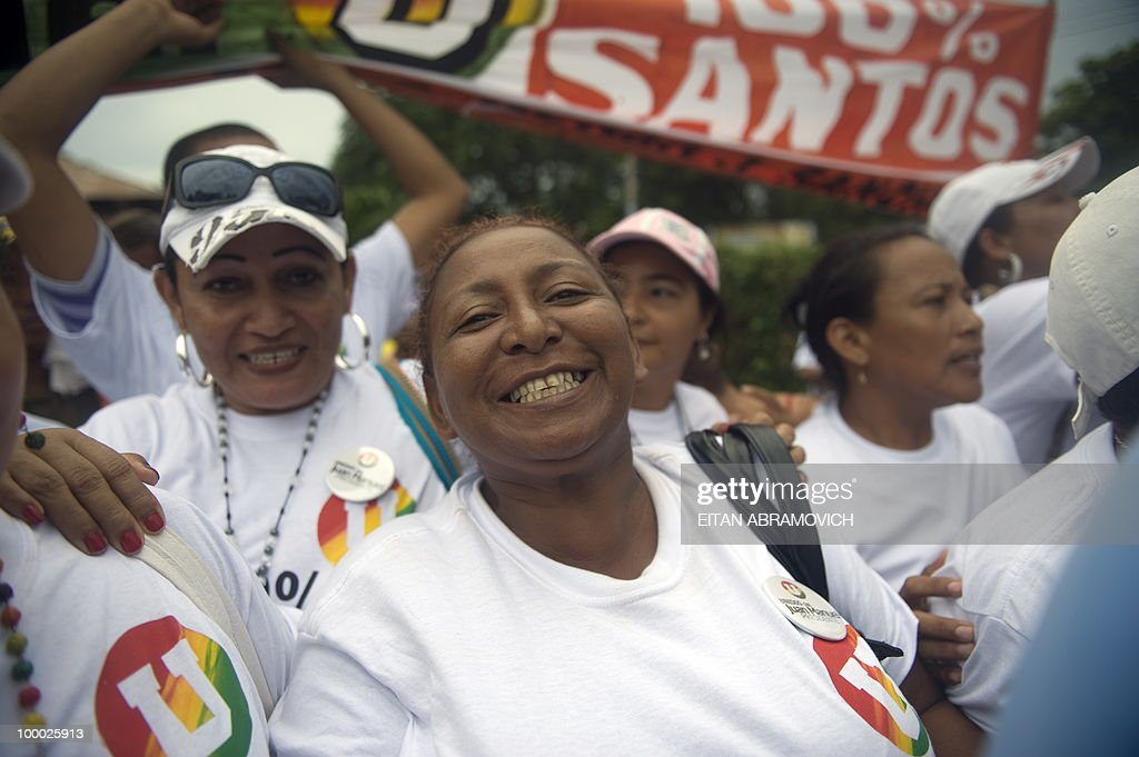 Supporters of Colombian former Defense M
