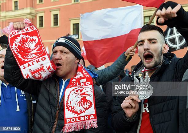 Supporters of the Pegida movement demonstrate in Warsaw on February 6 2016 in Warsaw / AFP / JANEK SKARZYNSKI
