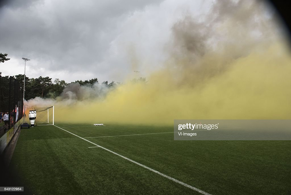 Supporters of Vitesse welcomes the players and staff at the first training during the first training session of the season 2016/2017 on June 26, 2016 at Papendal, The Netherlands