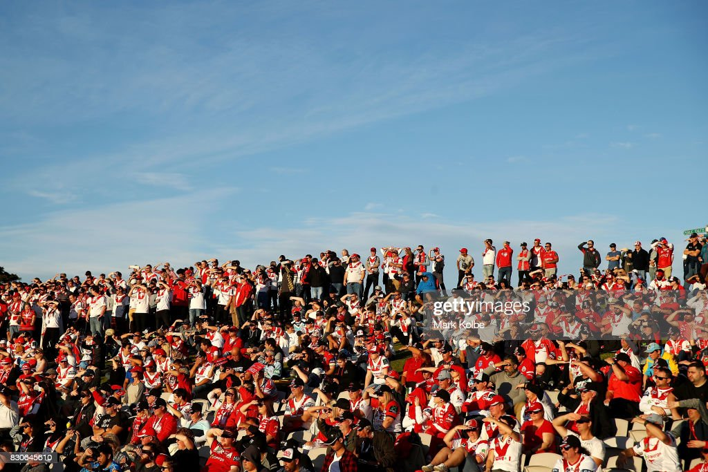 Supporters on the hill watch on during the round 23 NRL match between the St George Illawarra Dragons and the Gold Coast Titans at UOW Jubilee Oval on August 12, 2017 in Sydney, Australia.