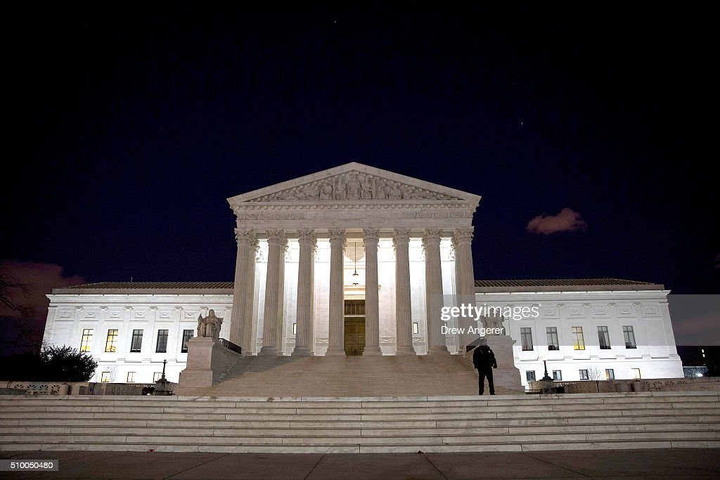 A Supreme Court Police officer stands in front of the U.S. Supreme Court February 13, 2016 in Washington, DC. Supreme Court Justice Antonin Scalia was at a Texas Ranch Saturday morning when he died at the age of 79.