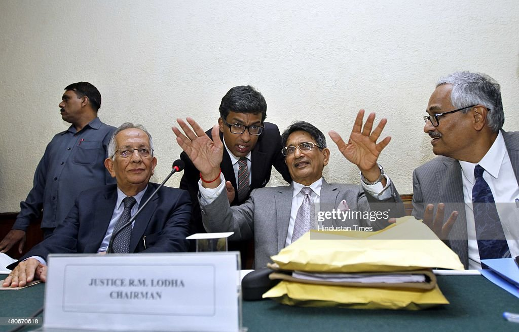 Supreme Court-Appointed Justice Lodha Panel Announces Damning Verdict during press conference : News Photo