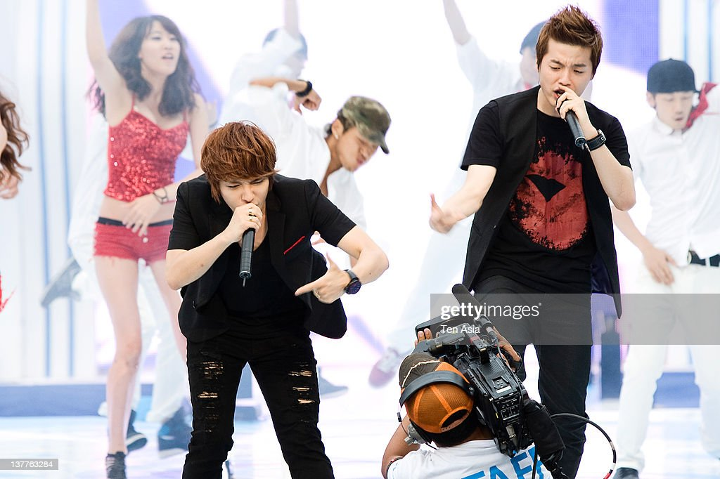 Supreme Team perform during the 2010 Mnet 20's Choice at Sheraton Grande Walkerhill Hotel on August 26, 2010 in Seoul, South Korea.