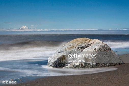 Surf on the beach of kenai on the kenai peninsula with for Cabine del fiume kenai soldotna ak