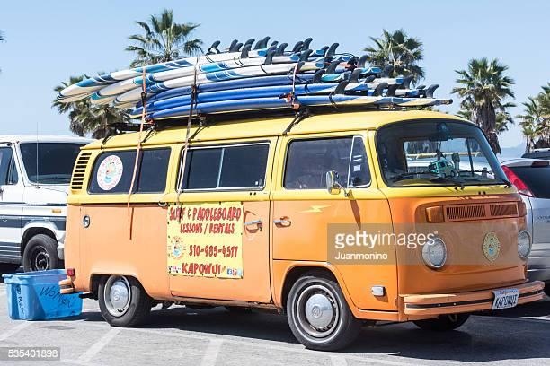 Vue sur le Surf vintage minibus