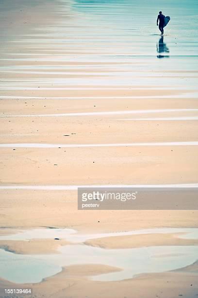 Surfeur de la plage.