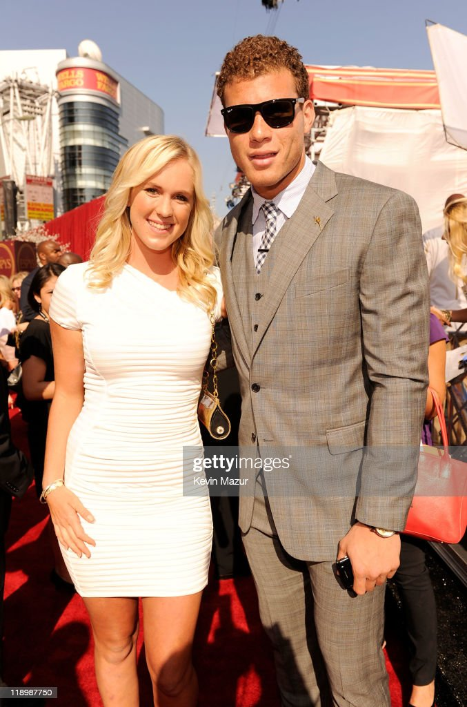 Surfer <a gi-track='captionPersonalityLinkClicked' href=/galleries/search?phrase=Bethany+Hamilton&family=editorial&specificpeople=212834 ng-click='$event.stopPropagation()'>Bethany Hamilton</a> and <a gi-track='captionPersonalityLinkClicked' href=/galleries/search?phrase=Blake+Griffin+-+Basketballer&family=editorial&specificpeople=4216010 ng-click='$event.stopPropagation()'>Blake Griffin</a> of the Los Angeles Clippers arrive to The 2011 ESPY Awards held at the Nokia Theatre L.A. Live on July 13, 2011 in Los Angeles, California.