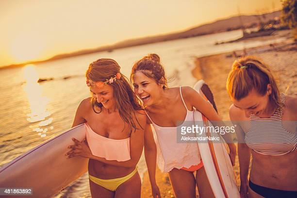 Surfer ragazze
