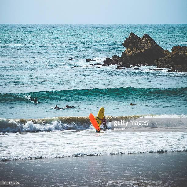 Surfeurs en action.