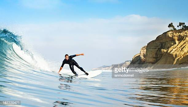 サーフィンをする