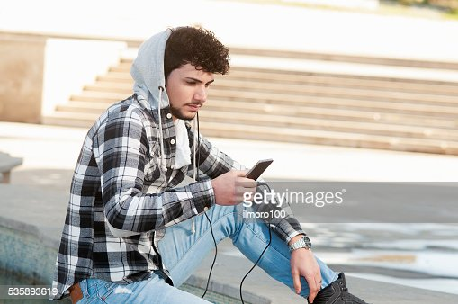 surfing the net outside : Stock Photo
