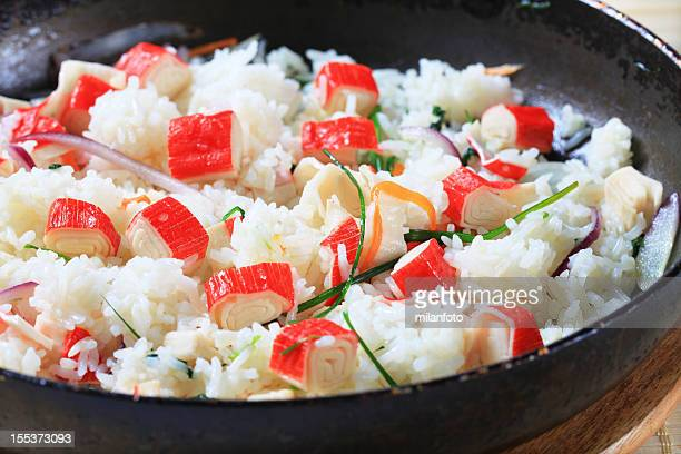 Surimi de riz et sauté aux oignons