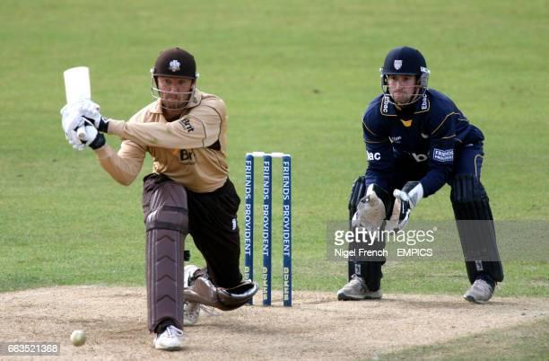Surrey's Chris Schofield and Durham's Phillip Mustard