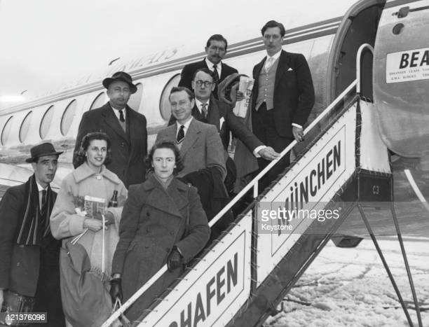 Survivors of the Munich air disaster leave Munich for London 8th February 1958 At the top left is Captain James Thain the pilot on the illfated...