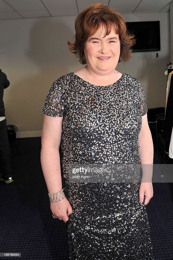 <a gi-track='captionPersonalityLinkClicked' href=/galleries/search?phrase=Susan+Boyle&family=editorial&specificpeople=5810021 ng-click='$event.stopPropagation()'>Susan Boyle</a> poses backstage at the Donny and Marie Osmond concert at the 02 Arena on January 20, 2013 in London, England.