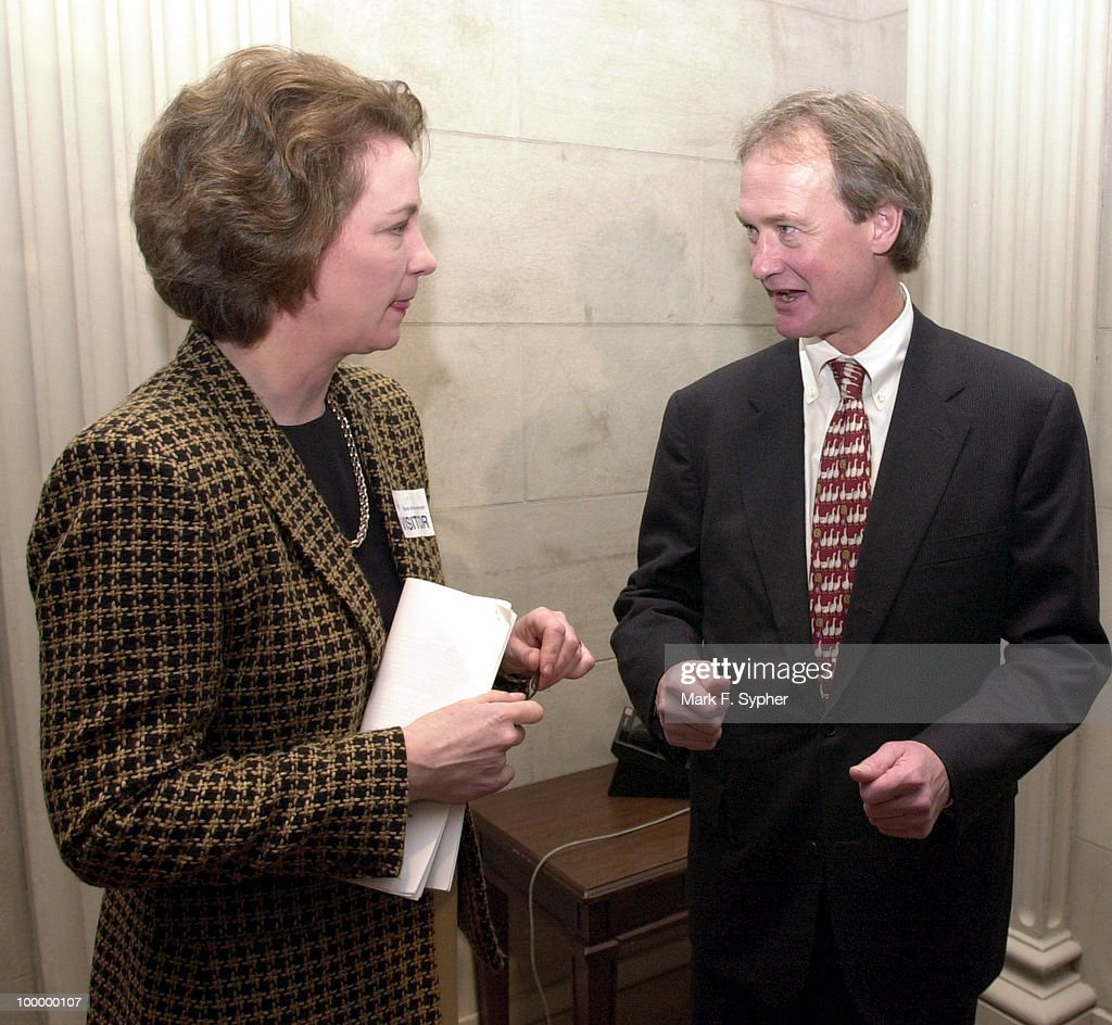 Susan Eisenhower and Sen. Lincoln Chafee (R-RI) exchange ideas after both promised to do their part to protect Alaska's wilderness heritage by preventing drilling in the Refuge.