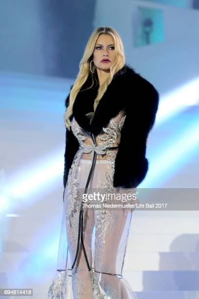 Susan Holmes McKagan performs on stage during the Life Ball 2017 show at City Hall on June 10 2017 in Vienna Austria