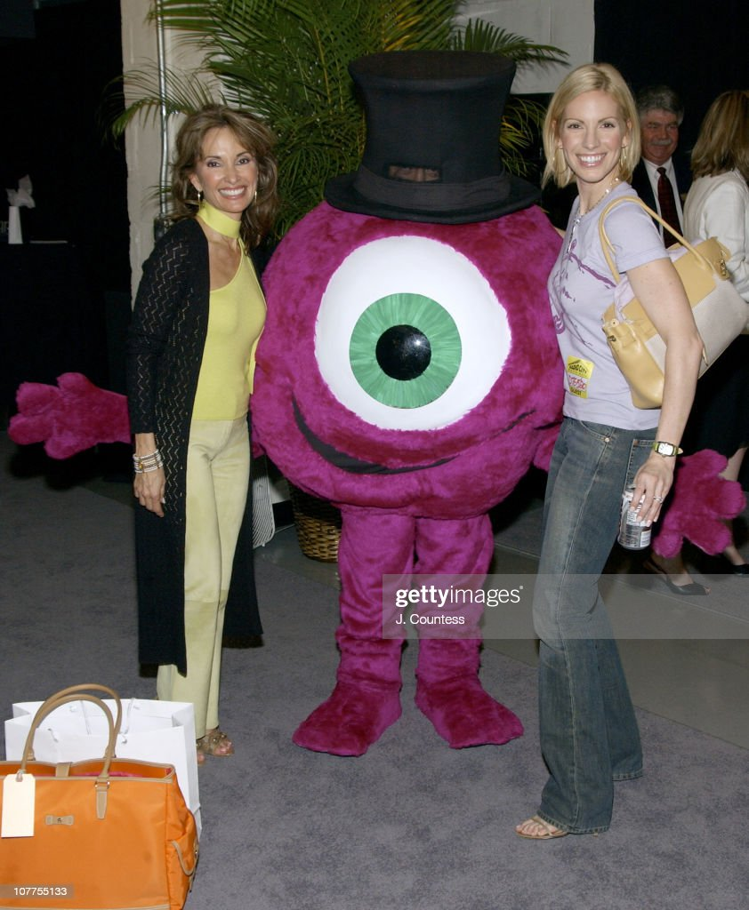 Susan Lucci and Liza Huber pose with 'The Eye' from the Laser Eye Center of Silicon Valley The Laser Eye Center was giving presenters Certificates...