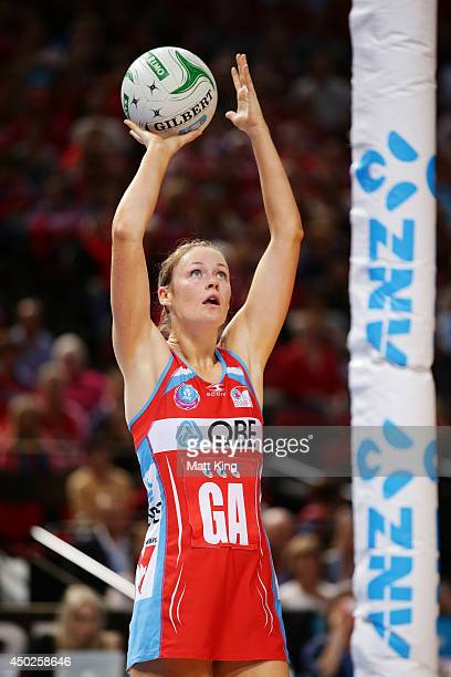 Susan Pratley of the Swifts shoots during the ANZ Championship Minor Semi Final match between the Sydney Swifts and the Waikato Bay of Plenty Magic...