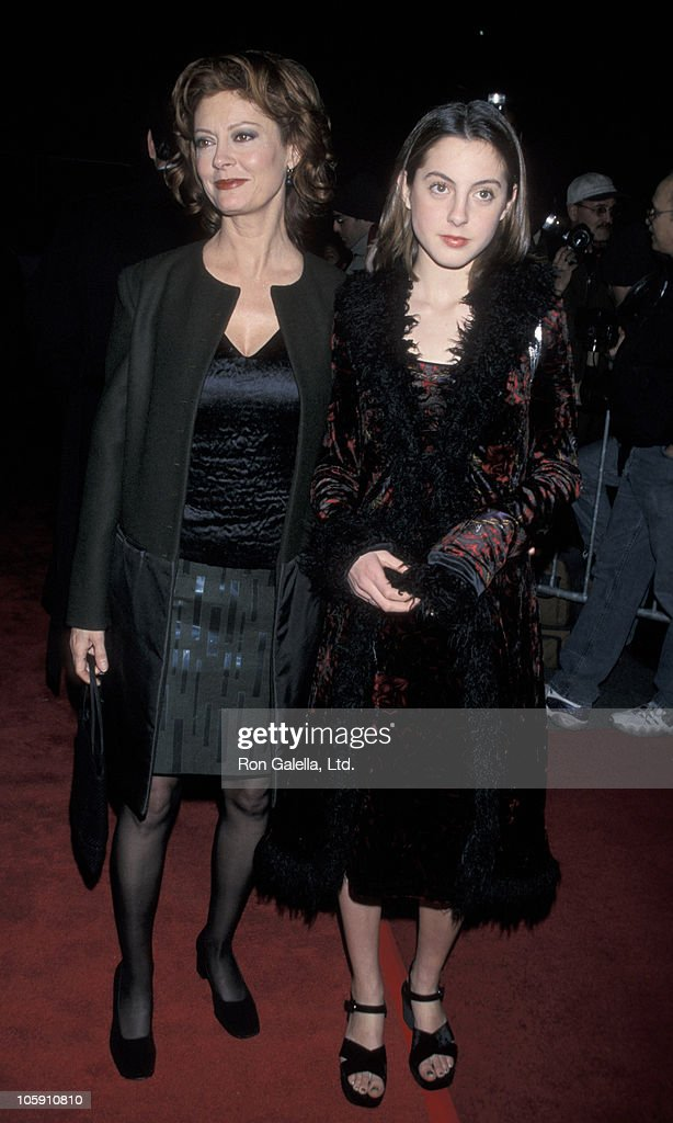 Susan Sarandon and Eva Amurri during New York Premiere of 'Stepmom' December 15 1998 at Ziegfeld Theater in New York City New York United States