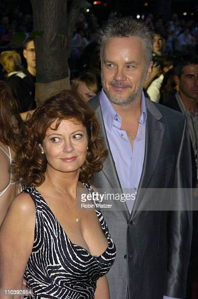 Susan Sarandon and Tim Robbins during 'War of the Worlds' New York City Premiere Outside Arrivals at Ziegfield in New York City New York United States