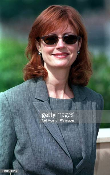 Susan Sarandon at a photocall on the rooftop of the Palais des Festivals for her latest movie 'Cradle Will Rock' during the Cannes Film Festival 1999...