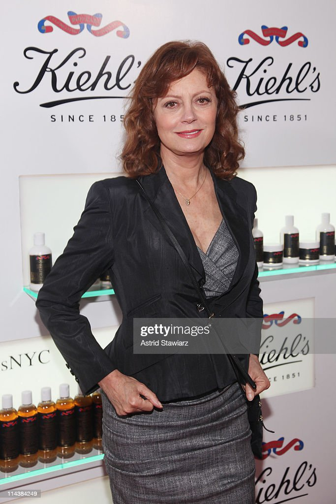 <a gi-track='captionPersonalityLinkClicked' href=/galleries/search?phrase=Susan+Sarandon&family=editorial&specificpeople=202474 ng-click='$event.stopPropagation()'>Susan Sarandon</a> attends Kiehl's 160th anniversary celebration at Kiehl's Flagship Store on May 18, 2011 in New York City.