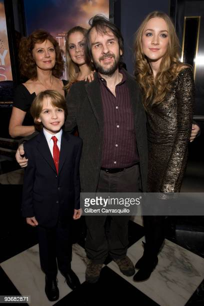 Susan Sarandon Christian Ashdale Rose McIver director Peter Jackson and Saoirse Ronan attend the 'The Lovely Bones' premiere at the Paris Theatre on...