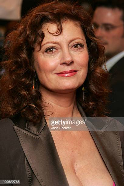 Susan Sarandon during 2005 Toronto Film Festival 'Elizabethtown' Premiere at Roy Thompson Hall in Toronto Canada