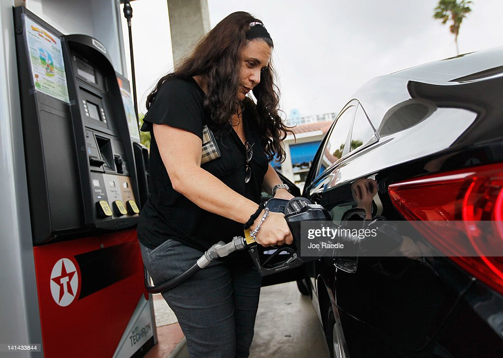 Susan Shore fuels up her car at a gas station on March 16, 2012 in Miami Beach, Florida. Reports indicate that the consumer price index rose 0.4 percent in February, the largest increase in 10 months. Gas prices rose 6 percent to account for most of the gain.