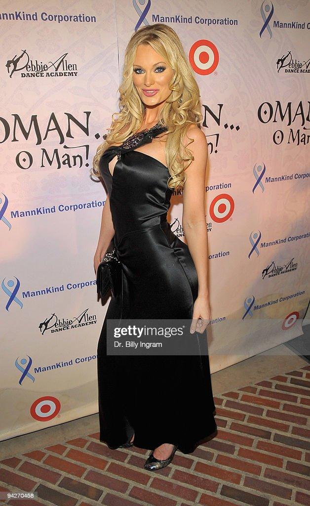 Susan Tucker arrives at Debbie Allen's 'OMAN, Oh Man!' Opening Night Gala at Royce Hall, UCLA on December 10, 2009 in Westwood, California.