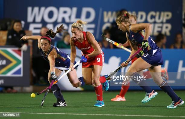 Susannah Townsend of England battles with Erin Matson of United States of America during day 7 of the FIH Hockey World League Women's Semi Finals...