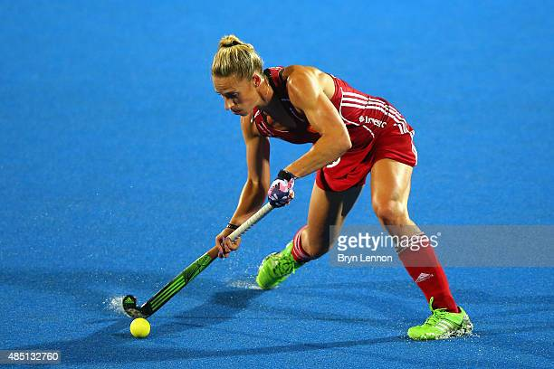 Susannah Townsend of England in action during match 8 between Italy and England on day four of the Unibet EuroHockey Championships at Lee Valley...