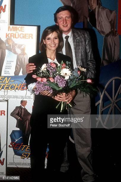 'Susanne Uhlen Mike Krüger Premiere vom Kinofilm ''Seitenstechen'' am im ''Intercontinental''Hotel in Hamburg Deutschland '