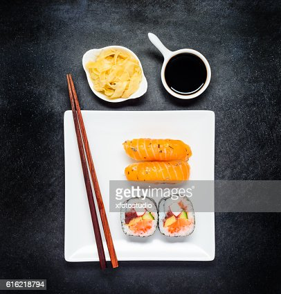 Sushi with Tsukemono and Soy Sauce on White Plate : Foto stock