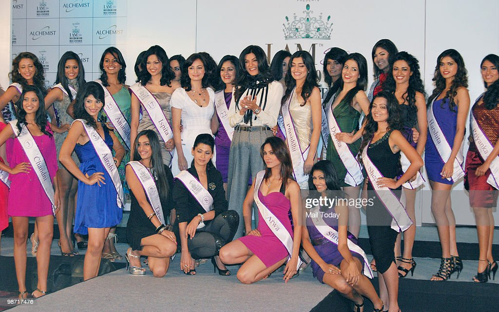 Sushmita Sen and Diya Mirza during the unveiling ceremony of 'I am She 2010' beauty pageant's 30 finalists in Mumbai on April 27 2010