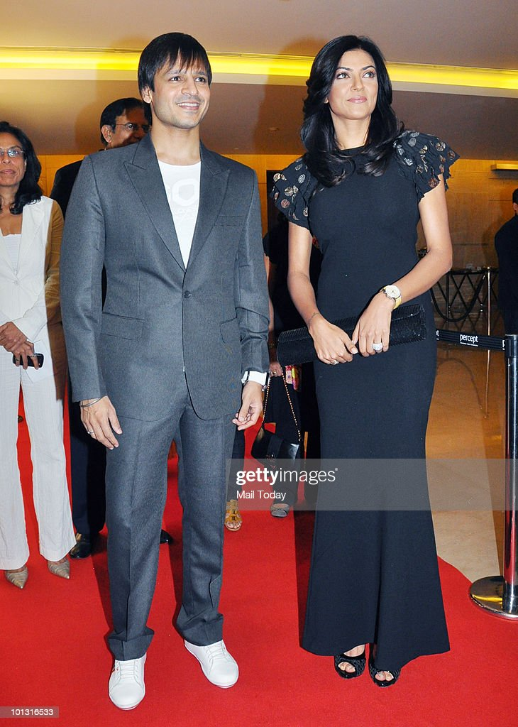 Sushmita Sen and Vivek Oberoi at the 'I am She' Grand Finale in Mumbai on May 30 2010