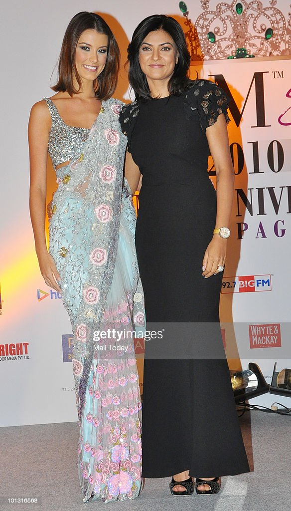 Sushmita Sen with Miss Universe Stefania Fernandez at the 'I am She' Grand Finale in Mumbai on May 30 2010