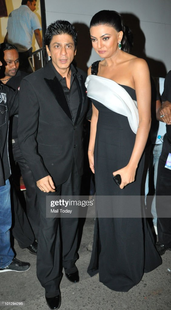 Sushmita Sen with Shah Rukh Khan at the grand finale of the 'I Am She Miss Universe India 2010' in Mumbai on Friday May 28 2010
