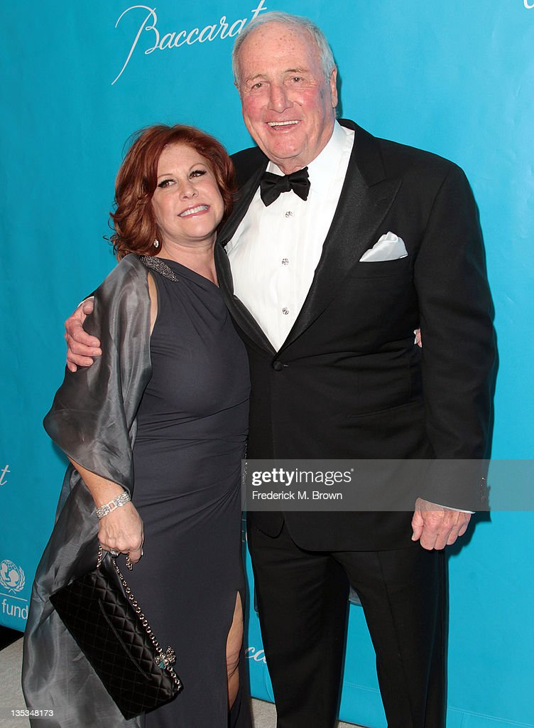 Susie Elkins (L) and Jerry Weintraub attend The 2011 Unicef Ball at The Beverly Wilshire Hotel on December 8, 2011 in Beverly Hills, California